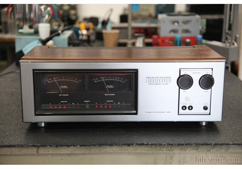 Luxman M-2000 cover