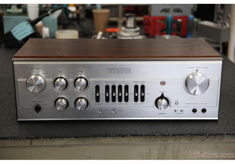 Luxman C-1000 cover